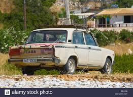 rusty car rusty car beach stock photos u0026 rusty car beach stock images alamy
