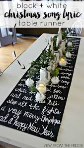 Diy Table Decoration Christmas by Best 25 White Christmas Decorations Ideas On Pinterest White