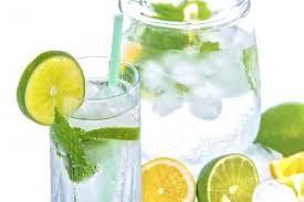 membuat infused water sendiri manfaat dan tips membuat infused water