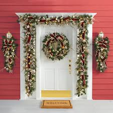 the cordless prelit crimson and gold trim wreath