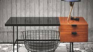 sur le bureau un bureau déco meubles idées astuces conseils côté maison