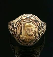 high school class ring companies 8 best class rings images on class ring high schools