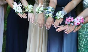 corsage and boutonniere for prom insanely prom girl fresh flower wearable trends4us