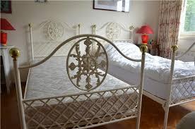 fer forgé chambre coucher chambre fer forgé blanc lits adultes design lit en m tal chambre