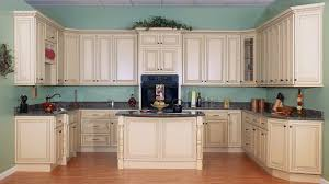 Kitchens With Off White Cabinets Save 50 On Kitchen Cabinets And Granite Local Showrooms 954 900 8778