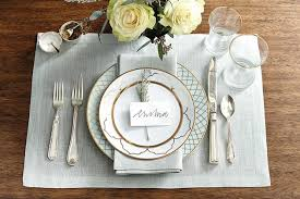 how to arrange the proper place setting women