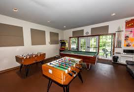 salle de jeux adulte bâtiment principal camp musical des laurentides