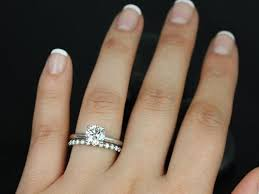 solitaire engagement ring with wedding band best 25 solitaire rings ideas on
