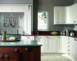 Grey Shaker Kitchen Cabinets by Light Gray Shaker Kitchen Cabinets With Glossy White Herringbone