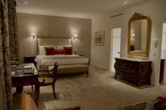 chambre avec suisse atmosphère feutrée et raffinée dans la chambre classique de l