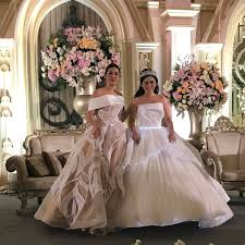 wedding dress raisa bak negeri dongeng inilah 10 foto mewahnya pernikahan