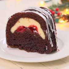 chocolate bundt cake cream cheese filling