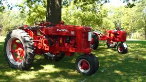 kankakeecountynews tractor show at the momence gladiolus festival