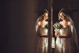 professional wedding photography hiring professional wedding photographers and the 5 reasons why