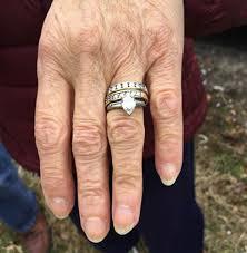 highway wedding band elderly s lost wedding rings nan jewelry