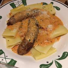 Olive Garden Five Cheese Marinara - his create your pasta italian sausages and giant rigatoni w five