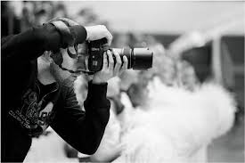 how best to choose the wedding photographer for your needs