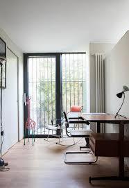 famille bureau 128 best desk le bureau images on bureaus cottages