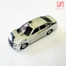 tomica toyota estima xe ô tô mô hình tomica toyota crown athlete 2013 silver 55 000