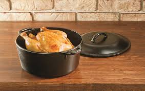 lodge dutch oven table top 10 dutch ovens for 2017 the best dutch ovens to buy in 2017