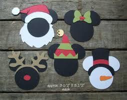 Classroom Window Decorations For Christmas by Best 25 Disney Window Decoration Ideas On Pinterest Disney