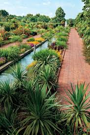these must visit botanical gardens will give you spring fever