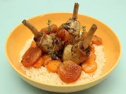 cuisiner manchons de canard manchons de canard en cocotte aux abricots miel et thym la