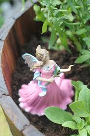 Fairy Garden Ideas For Kids by Making A Fairy Garden The Imagination Tree