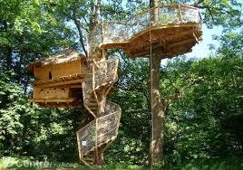 chambre d hote cabane dans les arbres les élus refusent la constitution d un plan local d urbanisme