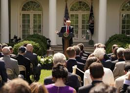 trump s desk donald trump doesn u0027t understand climate change or economics