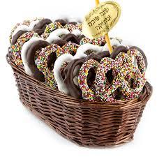 rosh hashanah gifts rosh hashanah chocolate pretzel gift basket rosh hashanah gift
