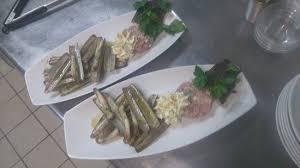 radis noir cuisine couteaux persillés tartare de thon lait de coco radis noir et toast