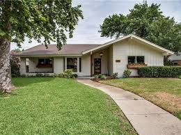 What Is A Rambler Style Home Ranch Style Dallas Real Estate Dallas Tx Homes For Sale Zillow