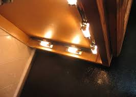 Lights Under Kitchen Cabinets Wireless Wireless Under Cabinet Lighting With Switch Unsilenced