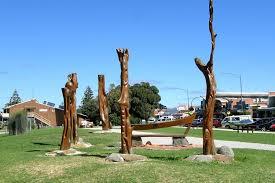 sculptures at apollo bay
