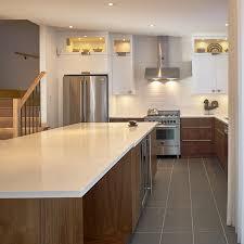 cuisine contemporaine en bois cuisines beauregard cuisine réalisation 330 cuisine