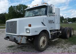volvo semi truck for sale 1998 volvo wg semi truck item bz9700 sold september 22