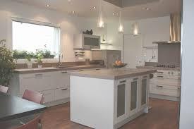 cuisine 15m2 cuisine 15m2 ilot centrale inspirational plan de travail cuisine