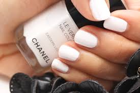 chanel eastern light le vernis nail colour review no need for a