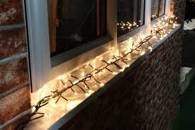 how to install christmas lights shining how to hang outdoor christmas lights stylist and luxury