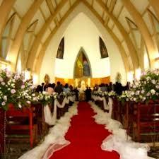 decoration de mariage pas cher décoration église mariage noeud et tulle pas cher