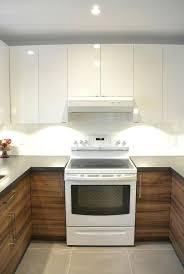 cuisine effet bois comptoir de cuisine blanc armoire de cuisine blanc lustrac et