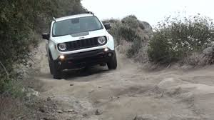 2015 jeep renegade autoblog 2015 jeep renegade trailhawk off road course autoblog youtube