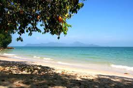 pantai pasir tengkorak beach langkawi attractions