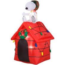 snoopy christmas dog house christmas peanuts snoopy baron dog house 4