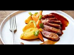 comment cuisiner un filet de canard filets de canard aux épices purée de carottes au cumin gingembre
