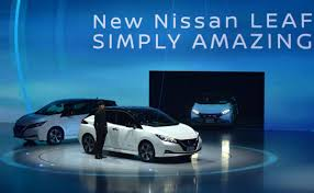 nissan leaf zero deposit nissan hopes to double sales take on tesla with new leaf