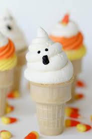 easy ghost cupcakes for your next halloween party southern living