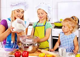 cuisiner avec des enfants organisez un atelier culinaire avec vos enfants esprit bébé