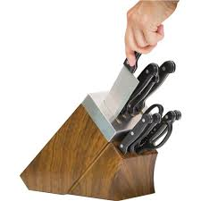 self sharpening kitchen knives chef s edge self sharpening 6 knife block